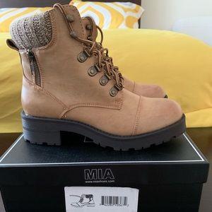 Tan Winter Combat Boots